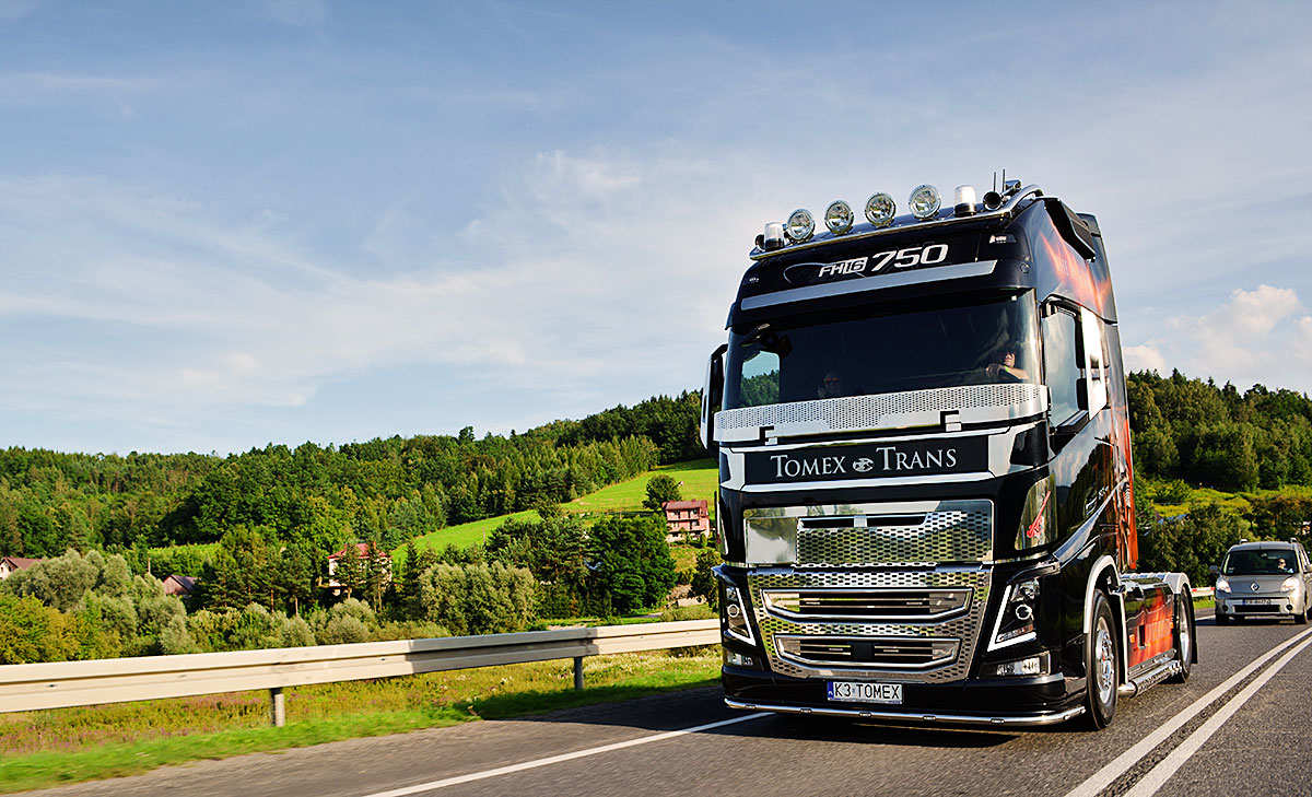 HUNTER - Nowe Volvo FH2016